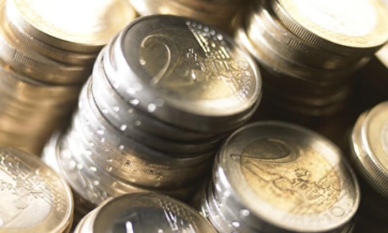 El euro se desplomó este miércoles 2.1% contra el dólar en su mayor caída desde agosto del 2010.  (Foto: Thinkstock)