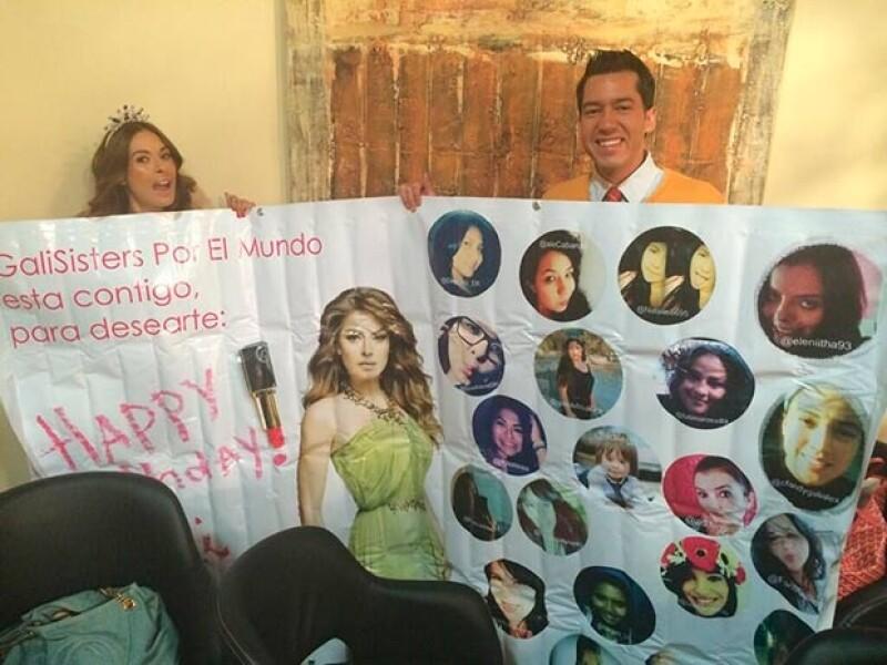 Sus fans la sorpredieron con este cartel.