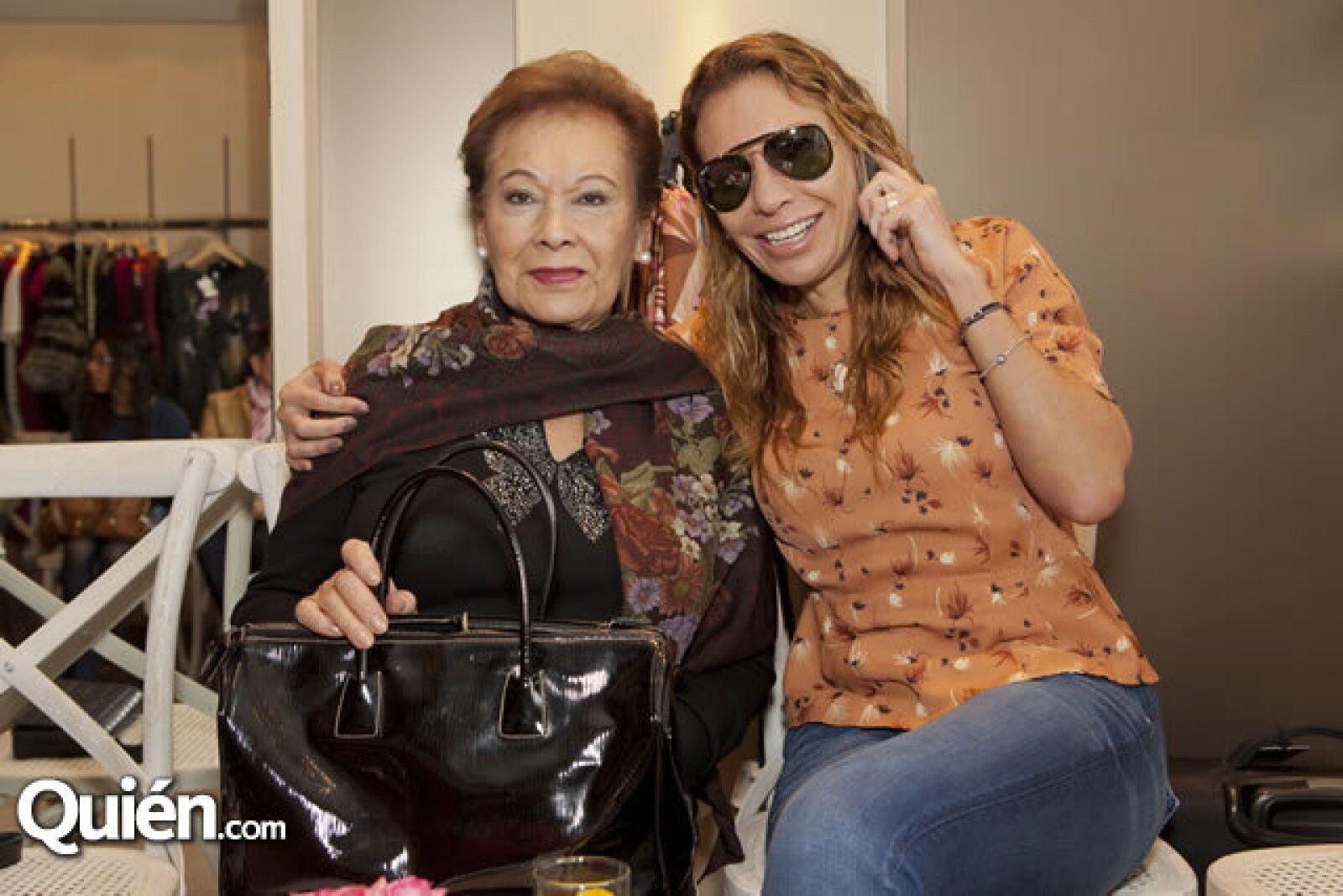 Esmeralda Santa Curz y Patricia Hassef