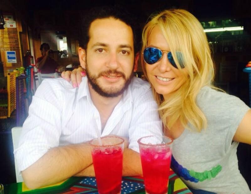 Erika Zaba y Santiago PérezGrovas compartieron unas románticas vacaciones en Acapulco.