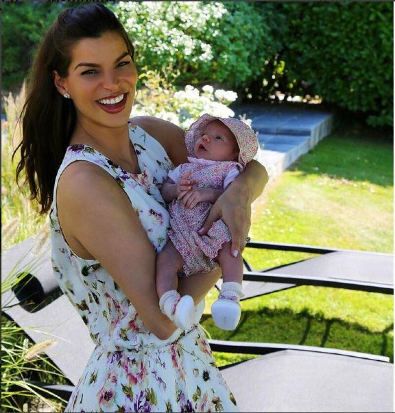 ¡Encantadora! Así luce Amaïa a su tercer semana de nacida y en su primer viaje.
