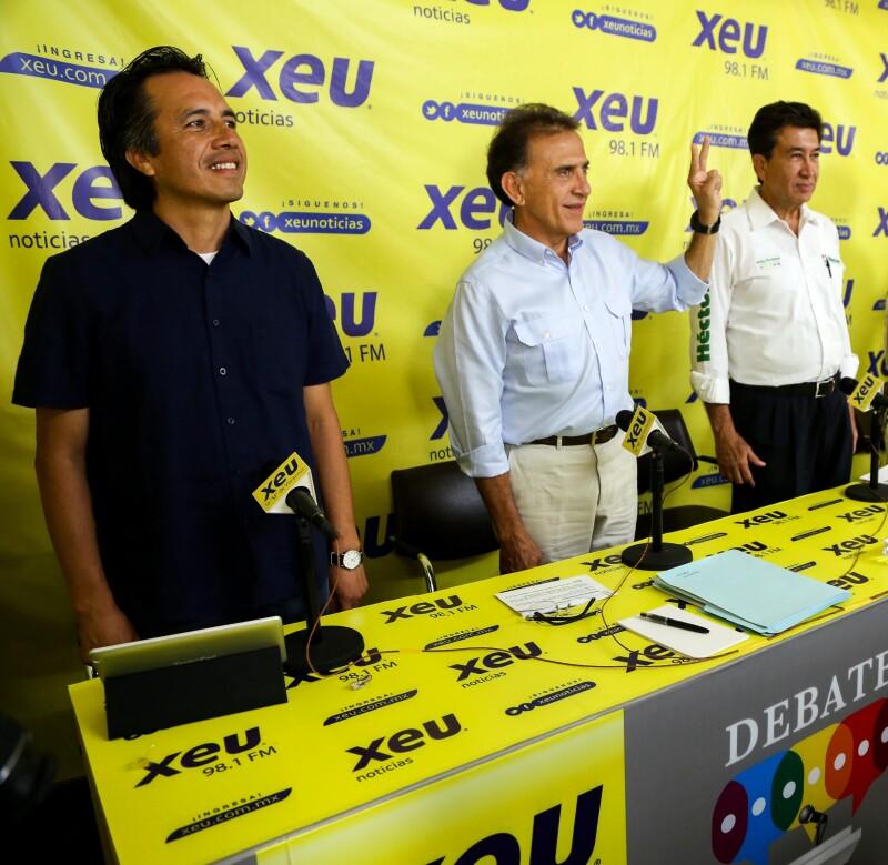 De izquierda a derecha, Cuitláhuac García (Morena), Miguel Ángel Yunes Linares (PAN-PRD) y Héctor Yunes Landa (PRI-PVEM-Panal).
