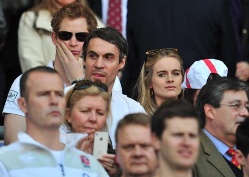 Es la tercera vez en la semana que el hijo menor de Diana de Gales y su novia, Cressida Bonas son captados juntos. Esta vez no por compromiso sino por placer.