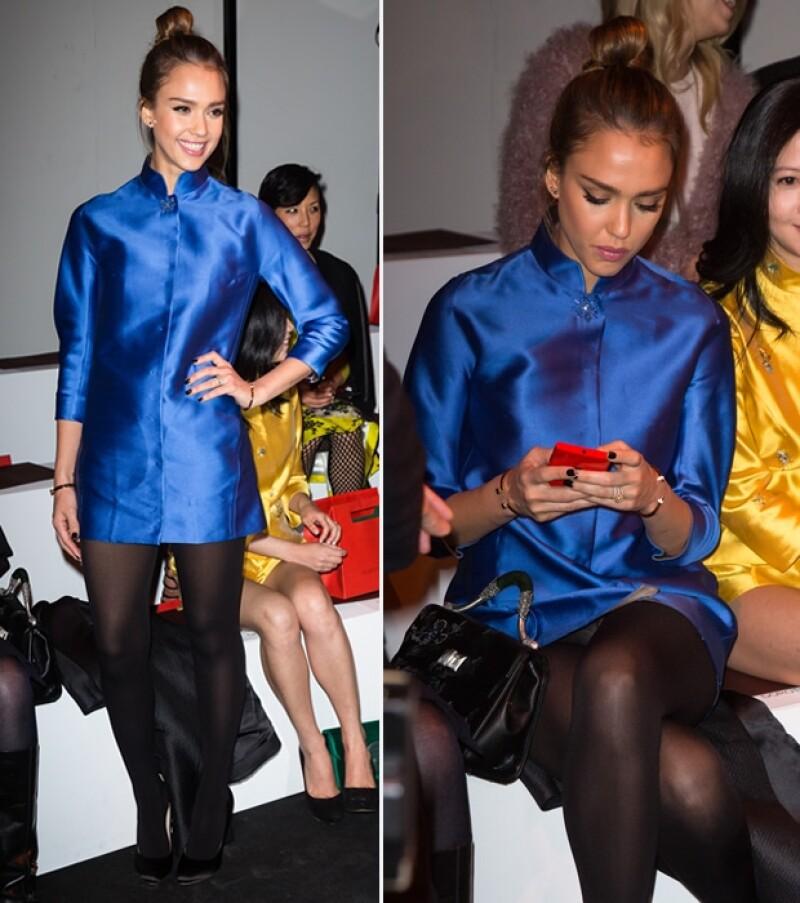 Jessica Alba, Jessica Chastain, Naomi Watts y Kate Moss parecen haber olvidado la parte posterior de sus atuendos, luciendo prendas tan cortas durante la Semana de la Moda parisina.