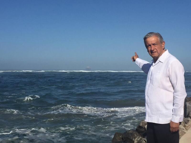 El político se encontraba de gira por Baja California cuando el Tribunal dio a conocer su decisión.