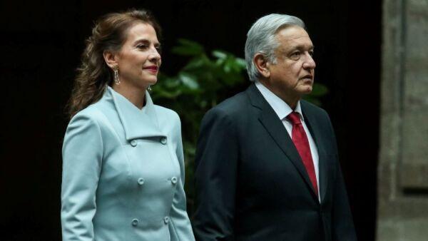 Vestidos Beatriz Gutiérrez Müller 10.JPG.jpeg