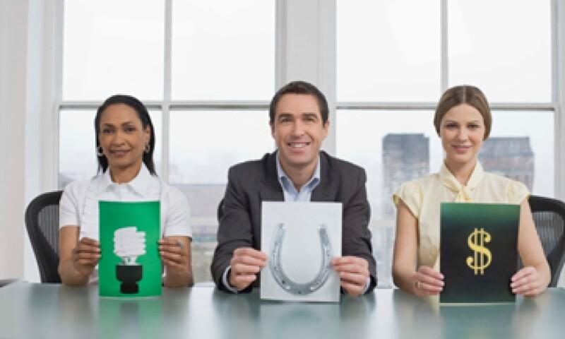Uno de los mitos sobre ser emprendedor es creer que la idea lo es todo para el éxito de un negocio. Según los Emprendedores 2012, la idea debe ir acompañada de un plan de negocios y ser competitivo. (Foto: Thinkstock)