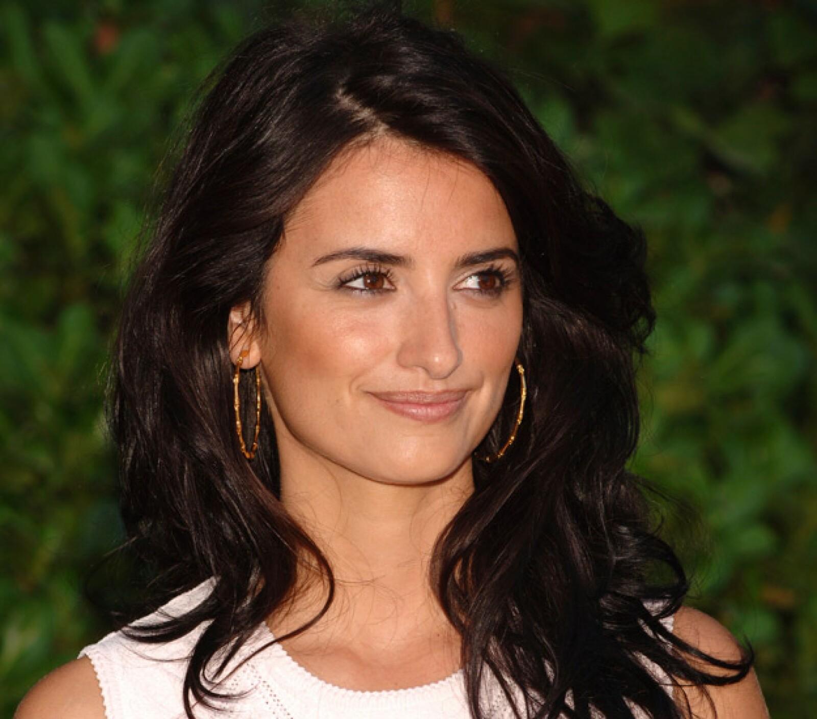 La mejor amiga de Salma Hayek es hermosa y es otra por la que el tiempo no pasa.