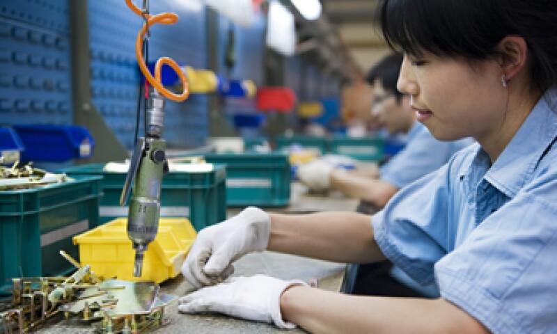 La producción y los nuevos pedidos se contrajeron en el cuarto mes, según la encuesta. (Foto: Getty Images)