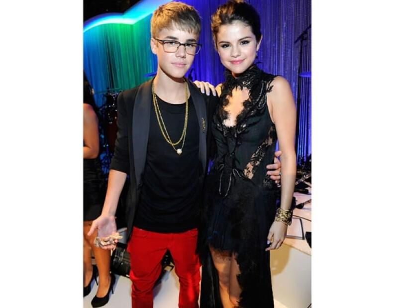 Ambos son atractivos, carismáticos y divertidos.