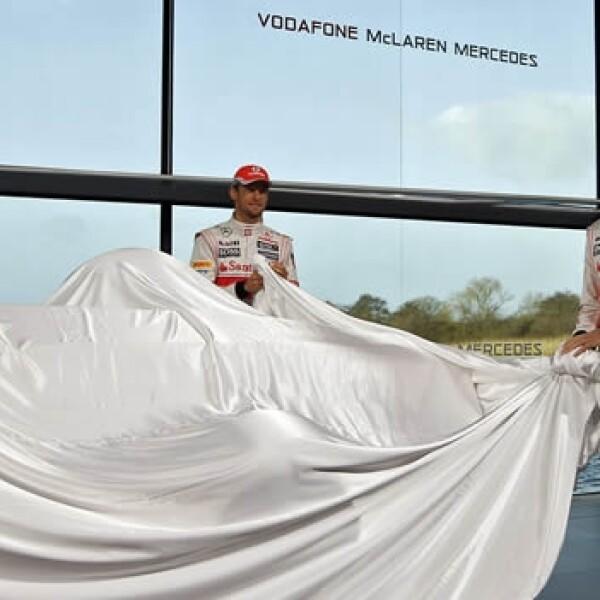 Checo Perez Jenson Button develacion auto