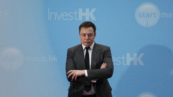 Elon Musk creador de los automóviles ha defendido en sus redes sociales el funcionamiento de su sistema de piloto automático.