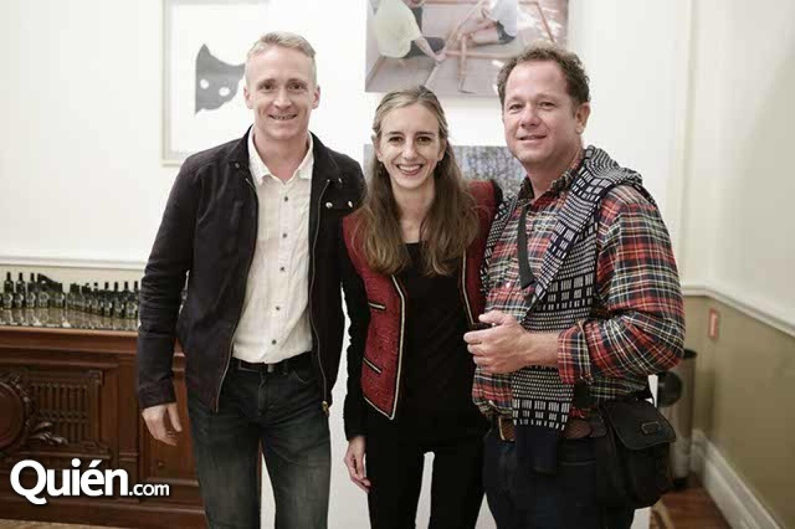 Mathieu Anguenot,Sarah Champlon y Eduardo Valdes Capitaine