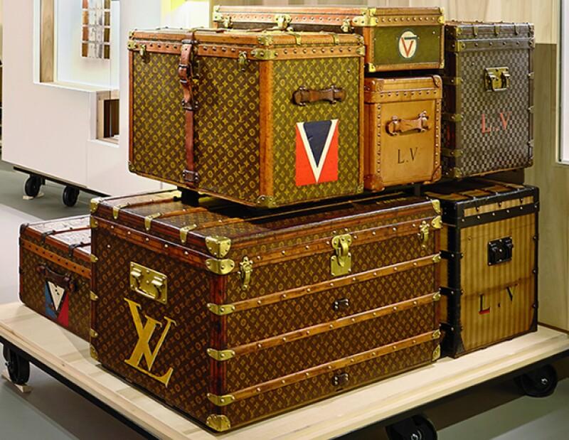 En la exposición se aprecian baúles históricos como el de Paul Poiret.