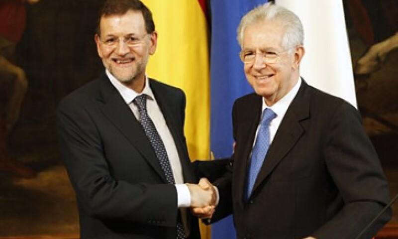 Mario Monti, el primer ministro italiano se reunió con el presidente del Gobierno español, Mariano Rajoy, este jueves.   (Foto: Reuters)