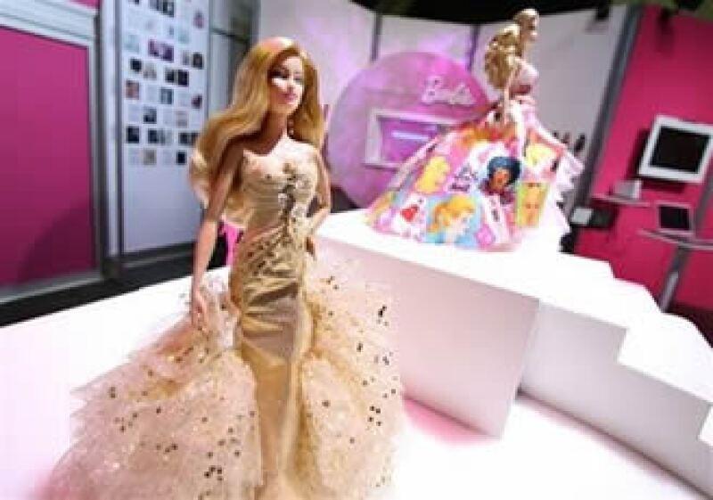 Además de la renovación de Barbie, un control más estricto de costos y un dólar débil beneficiaron a Mattel. (Foto: AP)