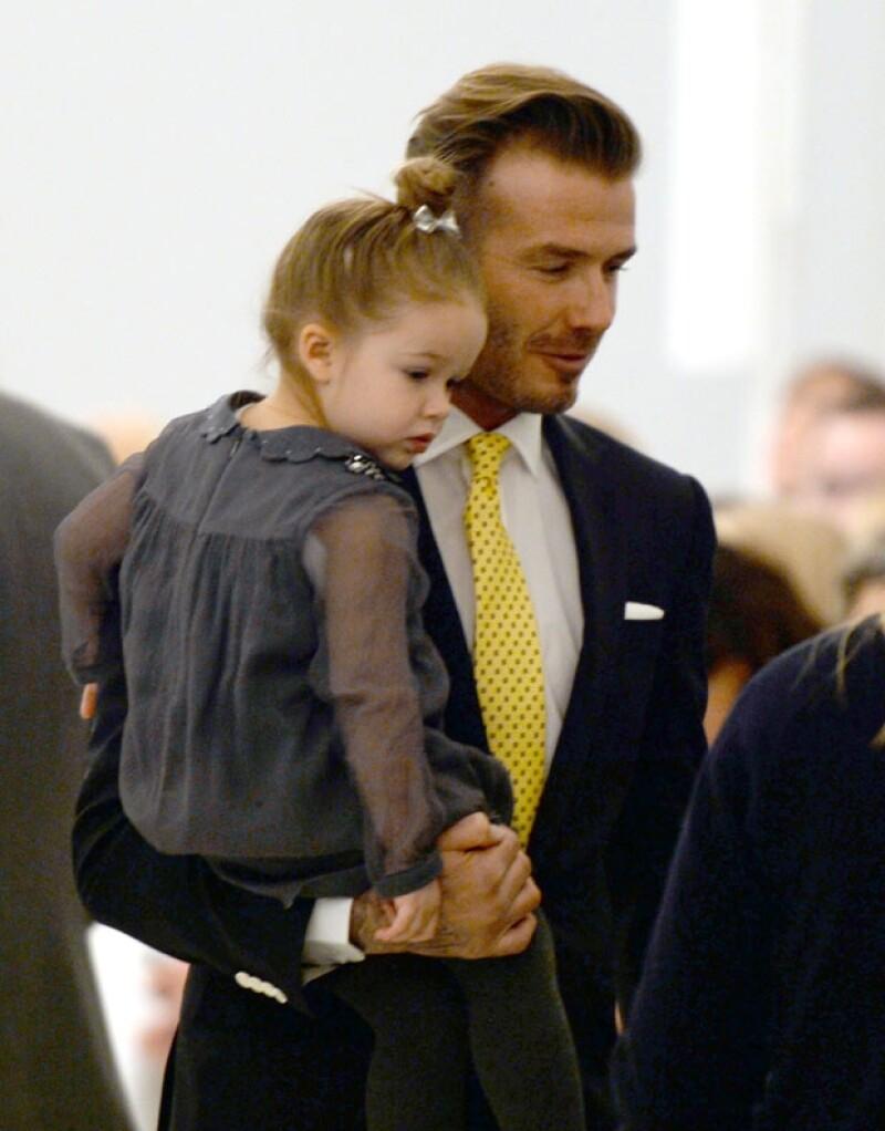 Victoria Beckham se presentó este domingo en la Semana de la Moda de Nueva York acompañada por toda su familia, sin embargo, fue su hija menor quien atrajo toda la atención.