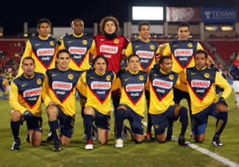 El futbolista paraguayo, herido de bala el pasado 25 de enero, es uno de los referentes del América. (Foto: Mexsport)