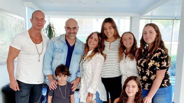 La familia de Andrea Legarreta se reunió con Héctor Suárez Gomís