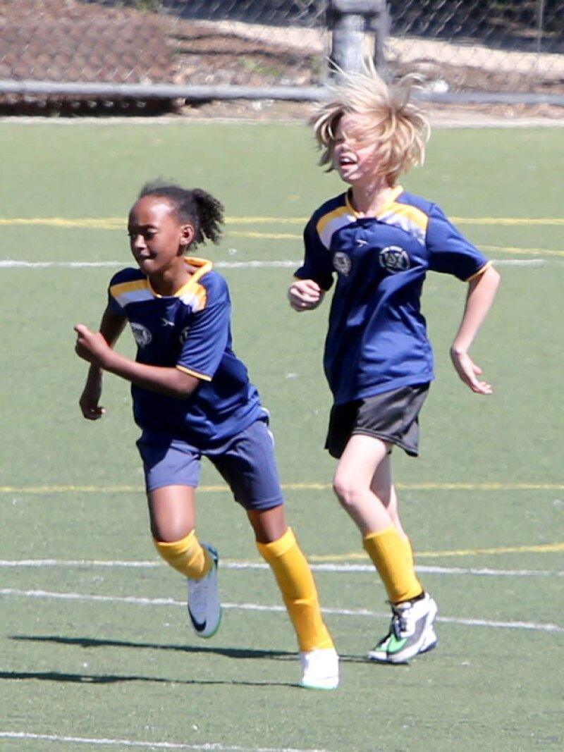 Shiloh y Zahara Jolie Pitt jugaron en el mismo equipo y ganaron por un punto.