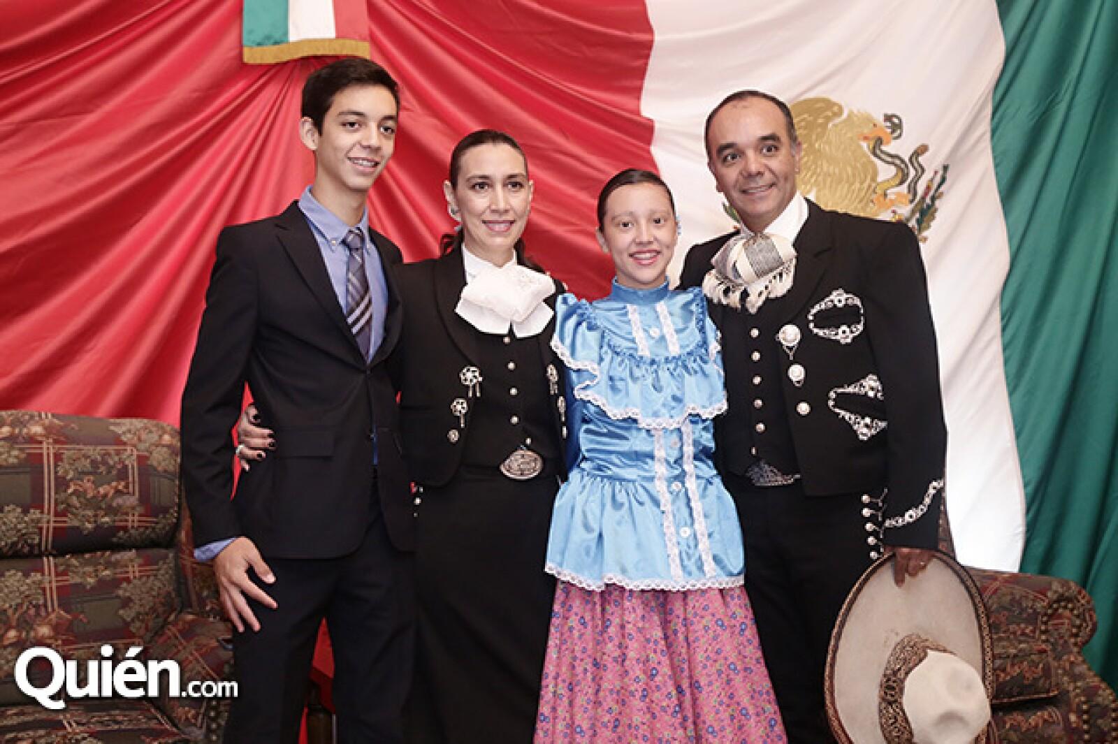 Pablo, Patricia, Paulina y Marco Ramos