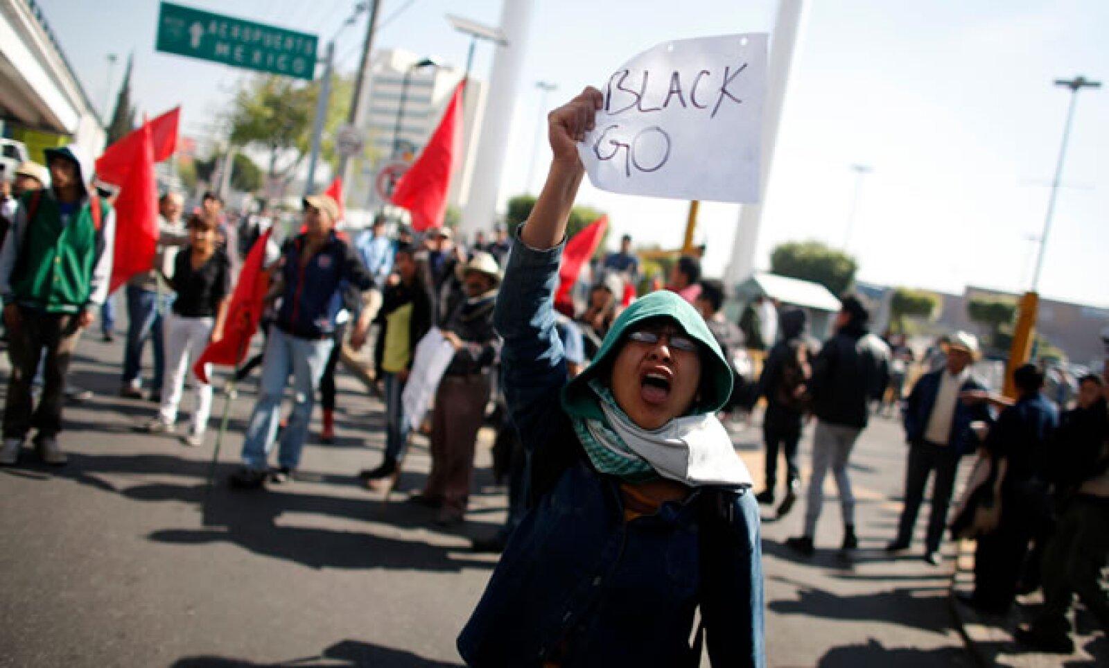 Algunos manifestantes han externado su rechazo a la llegada del presidente de Estados Unidos.