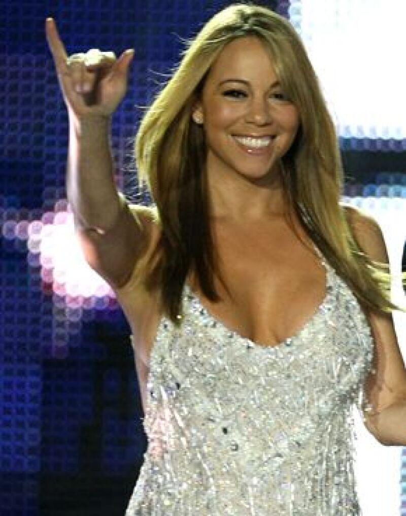 La cantante exigió un jet privado y alojamiento por dos noches en un hotel de 30 mil dólares.