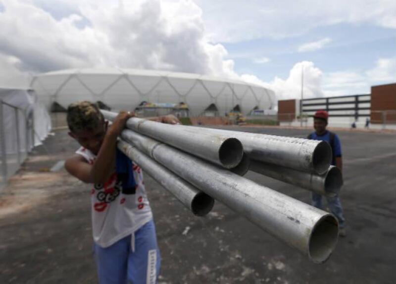 Obras alrededor del estadio Arena Amazon�as, en Manaos, Brasil