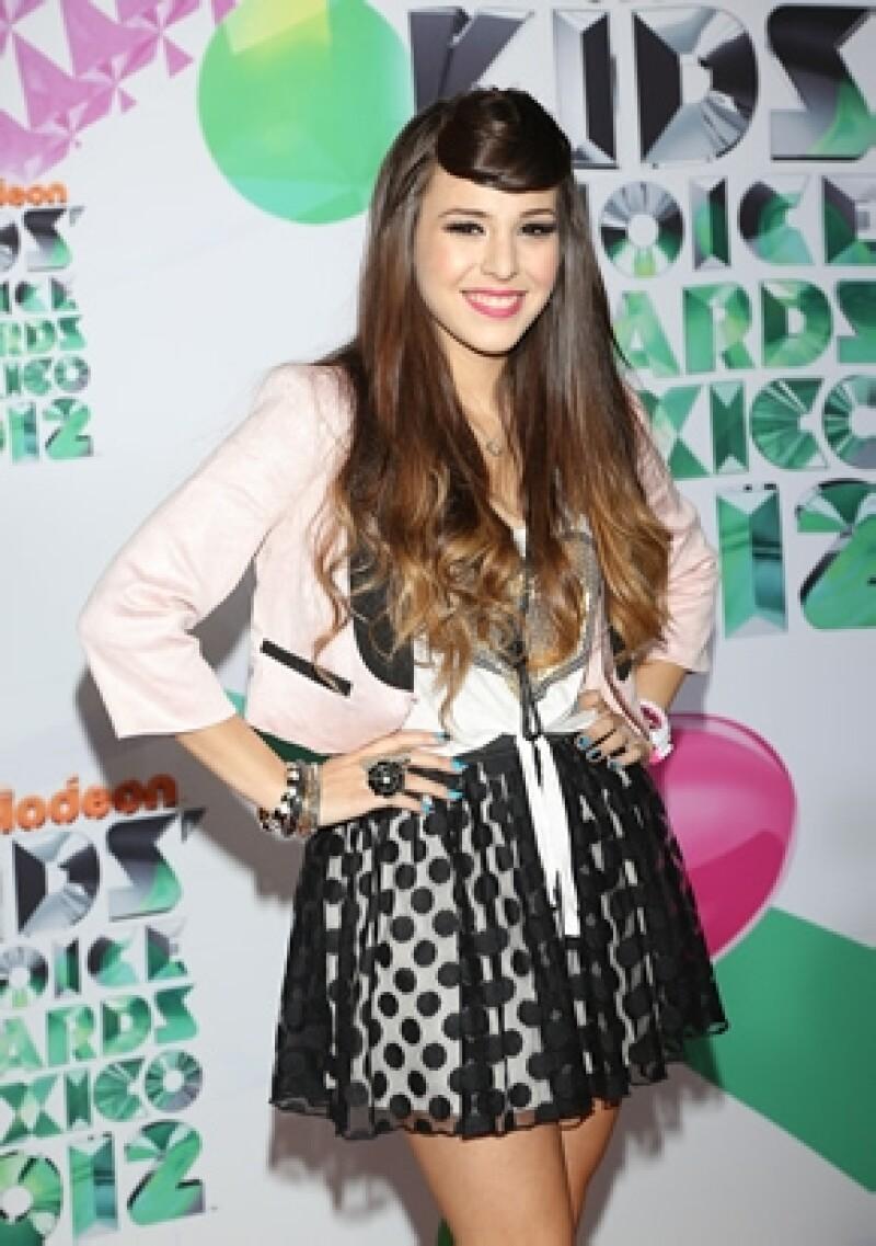 Danna en la alfombra roja de los Kids Choice Awards Mexico 2012.