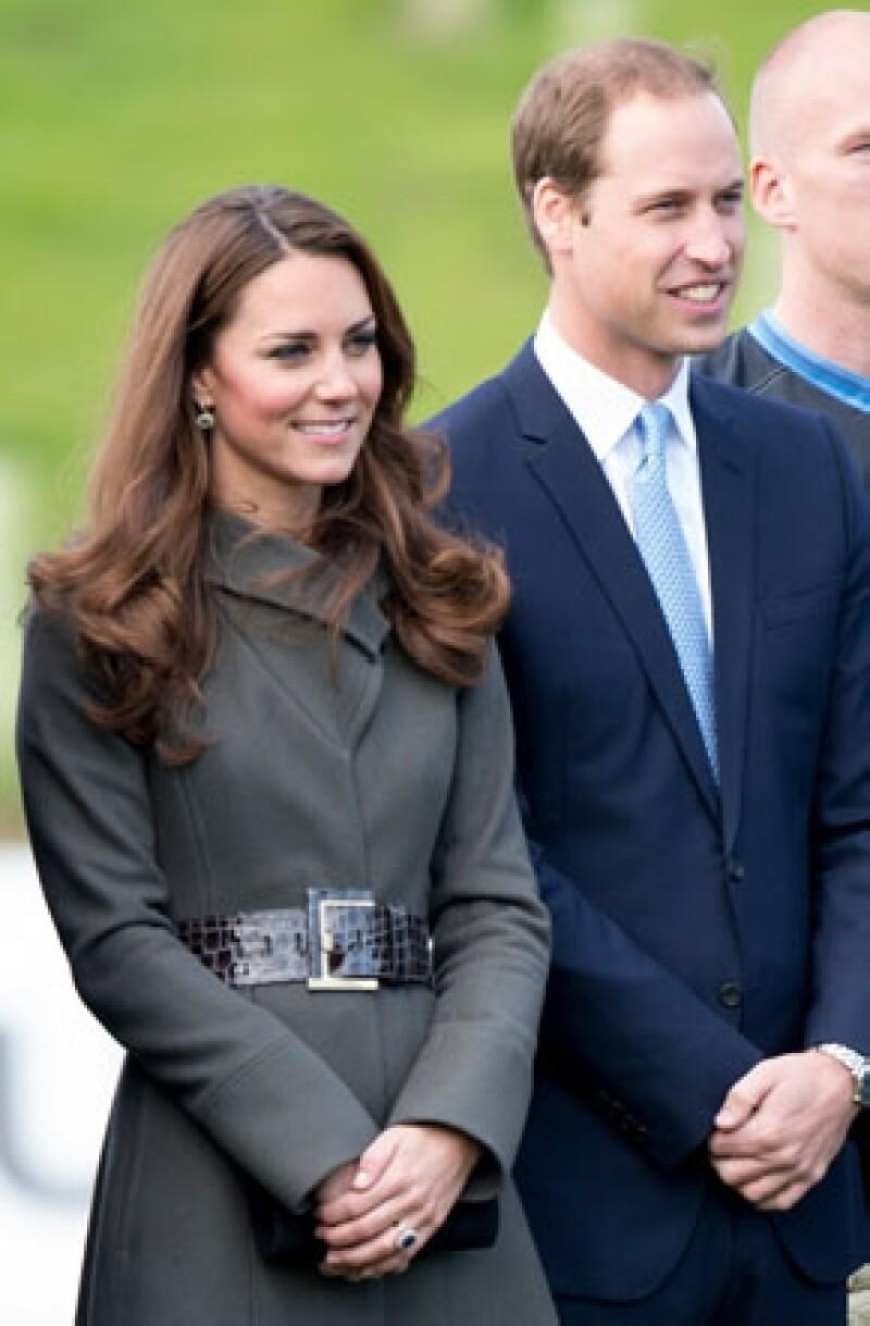 Medios locales aseguraron que los Duques de Cambridge llegaron el día de hoy al paradisíaco destino en el que permanecerán por una semana. Se desconoce si el príncipe George viaja con ellos.