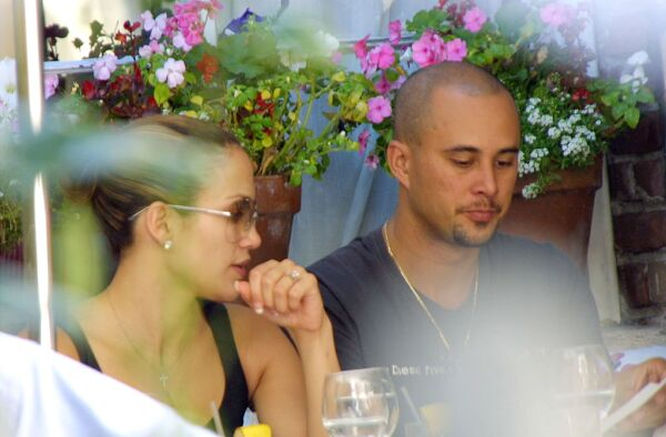 Jennifer Lopez And Fiance At The Ivy