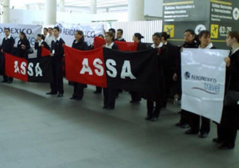 Los sobrecargos rechazaron la propuesta de Aeroméxico. (Foto: Notimex)