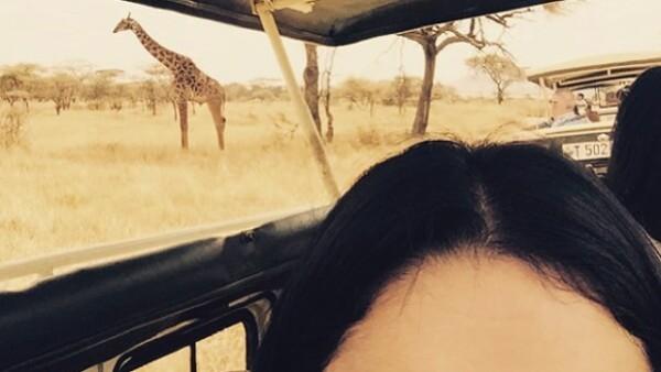 La joven actriz y cantante se encuentra de paseo por Africa y comparte este divertido momento con sus seguidores.