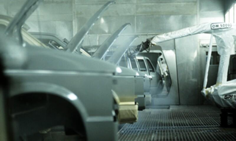 El gremio señala que la libre importación de autos agrava la situación. (Foto: GettyImages)