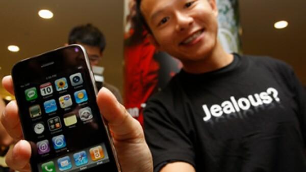 La compañía entrevistó a más de 7,000 usuarios de smartphones en Estados Unidos entre julio y diciembre de 2011 para realizar este estudio. (Foto: Reuters)