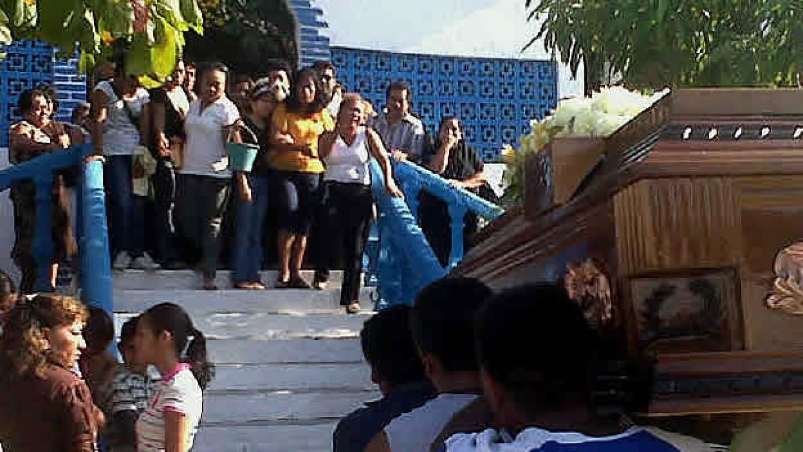 Funeral en Atoyac  de Jorge Alexis, alumno de Ayotzinapa, Guerrero 2