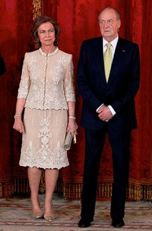 Se dice que una vez separados del trono, la pareja ha decidido hacer oficial su separación.