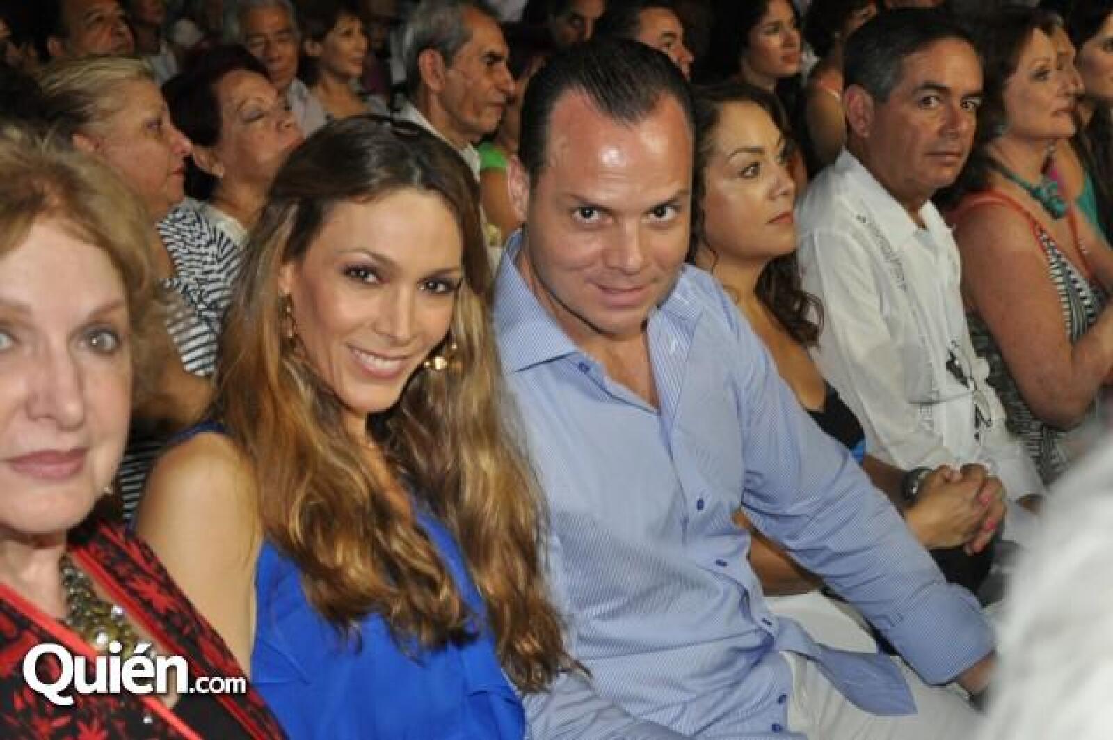 Marcela Garza y Olegario Vazquez.