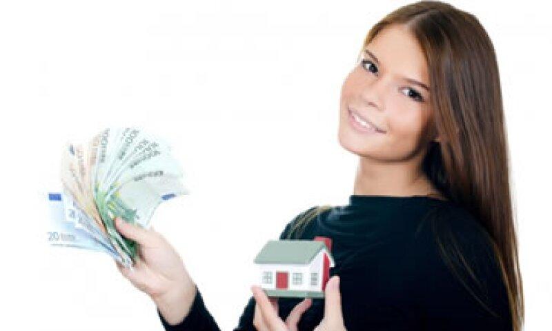 Las personas menores de 35 años están gastando más de lo que tienen. (Foto: Tomada de Metroscubicos.com )