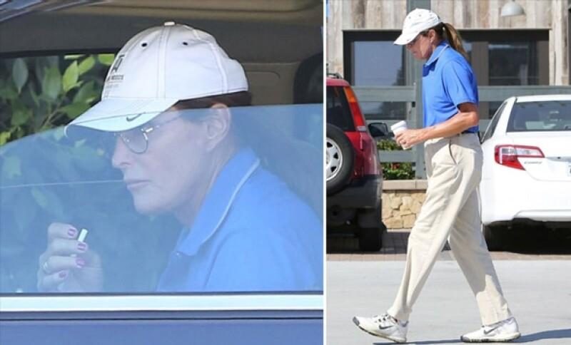 Bruce fue captado encendiendo un cigarrillo al interior de su camioneta con sus uñas color rosa.