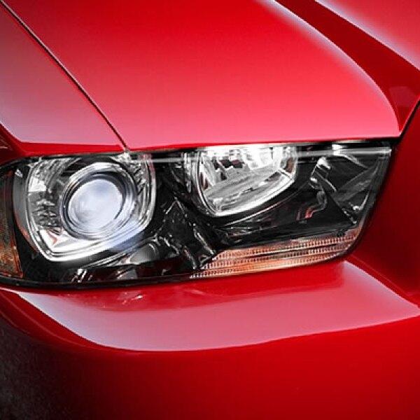 Diseñado para tener uno de los mejores rendimientos de los sedanes deportivos del segmento, las versiones SE y Rally, cuentan con un motor Pentastar de 3.6 litros que combina poder y eficiencia del combustible.