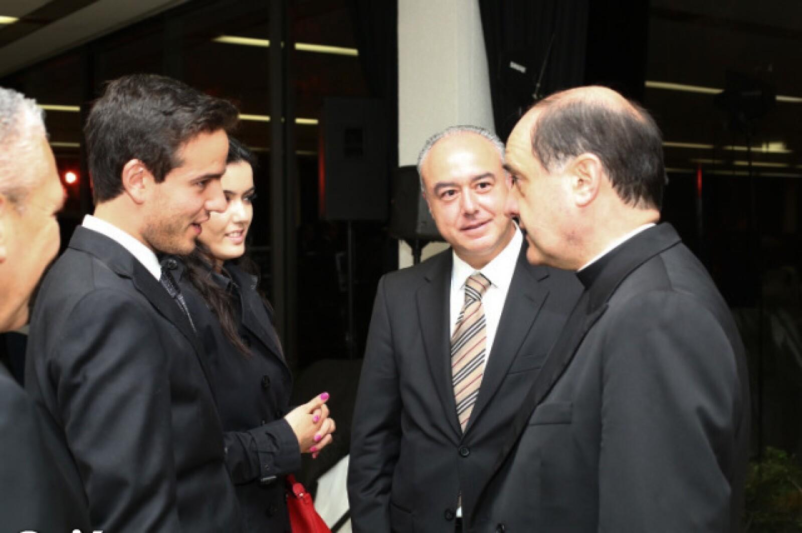 Giancarlo Rolandin, Mayte Herrera, Roberto Herrera, Padre Jesús Quirce