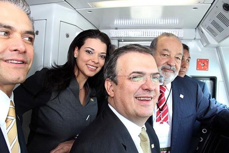 El actual Jefe de Gobierno del Distrito Federal viajó junto al presidente de la República y el empresario Carlos Slim en la nueva línea del Metro.