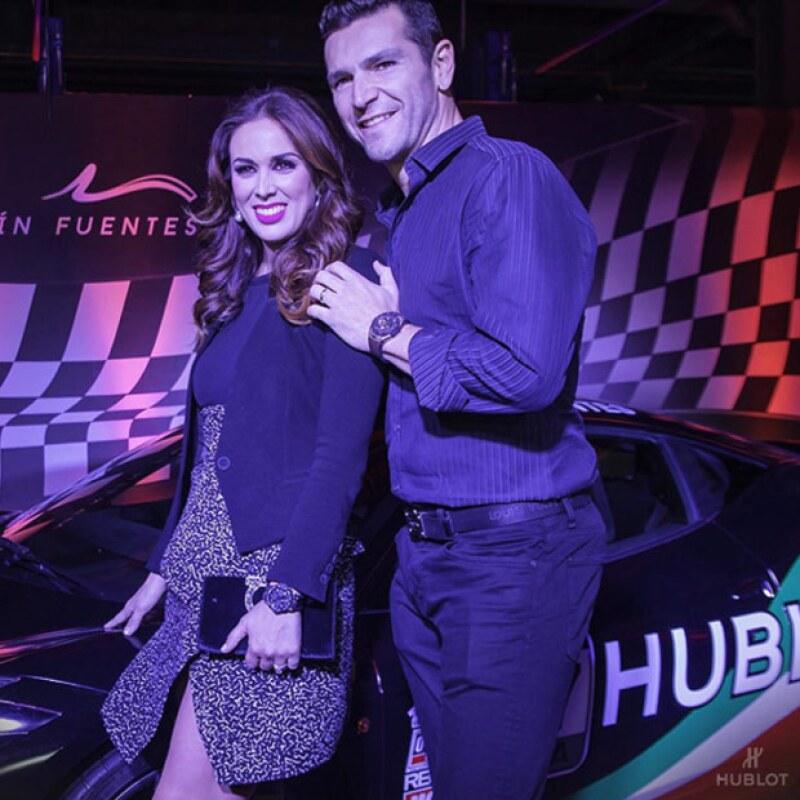 La conductora y actriz acompañó a Martín Fuentes durante la presentación de una nueva línea de relojes, donde la vimos muy sonriente como siempre.