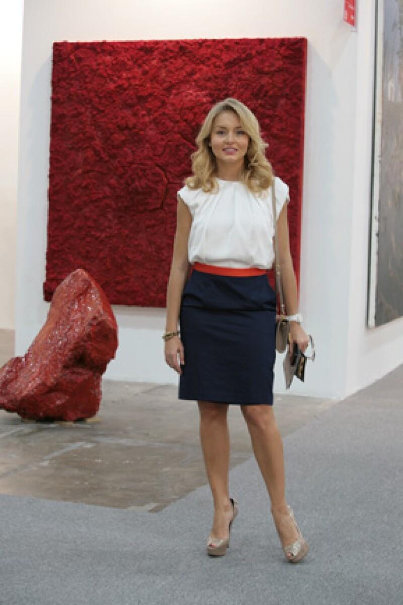 La pareja que conforman el productor y la actriz se mostró muy interesada durante la inauguración de la exposición de arte más importante del país.