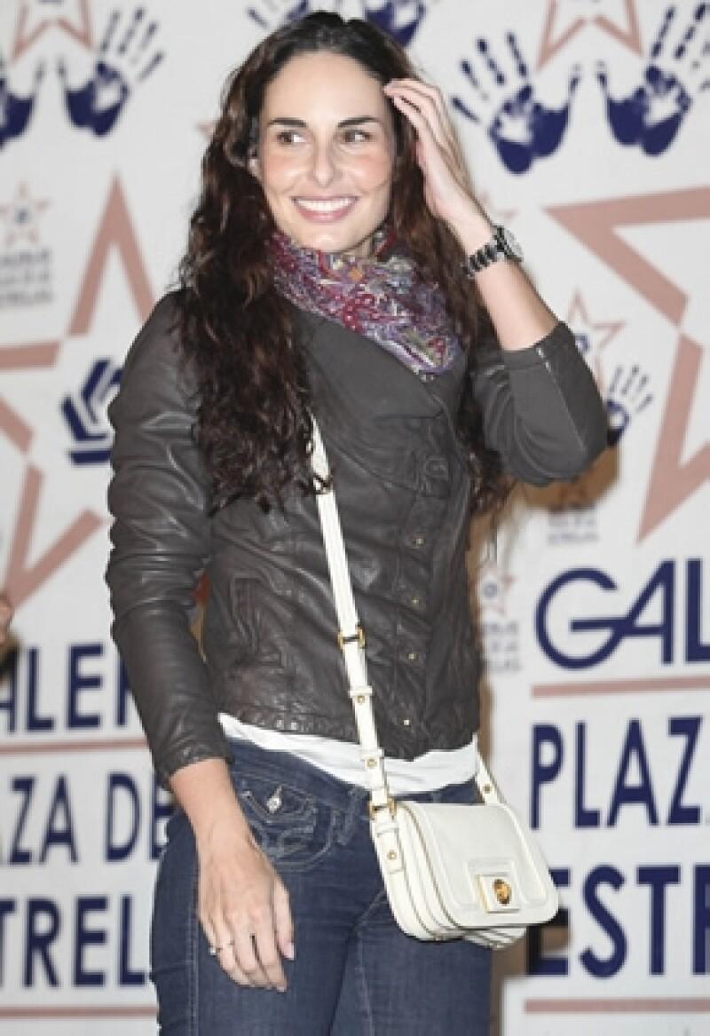 La actriz se casará en 2013 con el productor Héctor Sampiero, con quien vive desde hace poco más de un año.