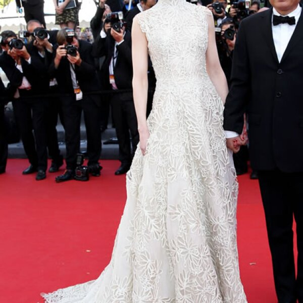 La actriz australiana usó un vestido Valentino Couture en la premiere de `Nebraska´ en Cannes.