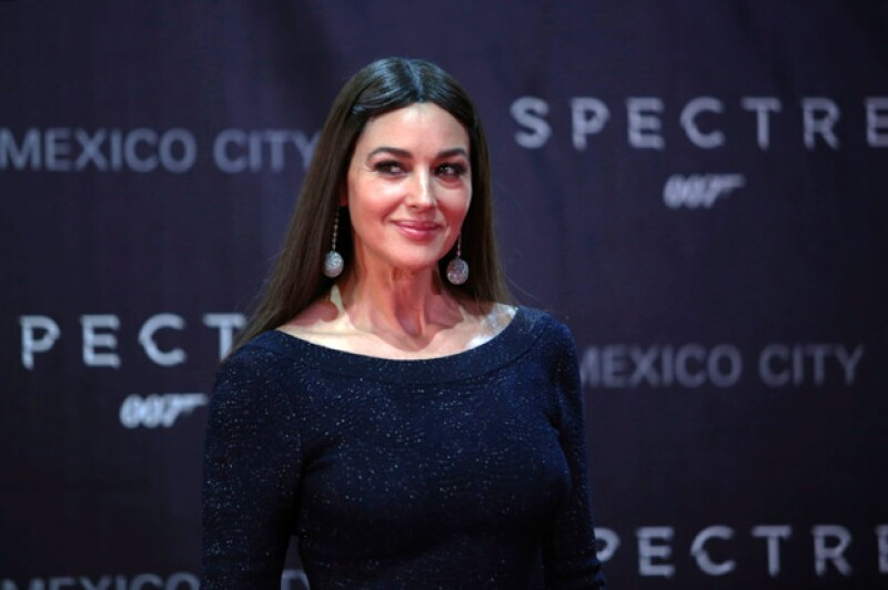 Para nadie es novedad que la actriz italiana posee una belleza y sensualidad dignas de admirar, prueba de ello fueron las fotografías que le tomaron para Paris Match.
