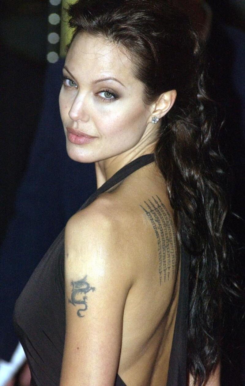Angelina Jolie se convirtió en la rompe hogares por excelencia.