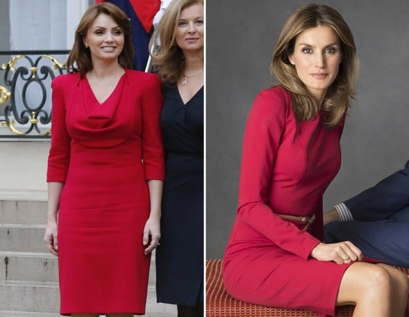 Ambas poseen un estilo de vestir similar.